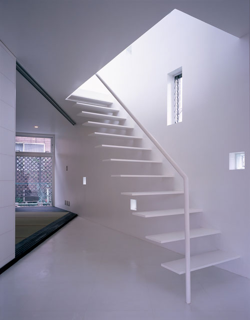 House in myorenji by junichi sampei what we do is secret - Escaleras de caracol minimalistas ...